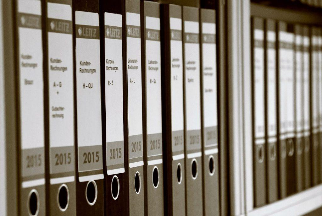 ניהול ספרים: כרטסת וספר הנוטריון